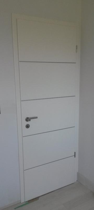 Genial Lebolit White RAL 9010 Doors, Horizontal Aluminum Inserts   Satin Etch  Glass   Slim European Satin Nickel Hinges   Stainless Steel Handles